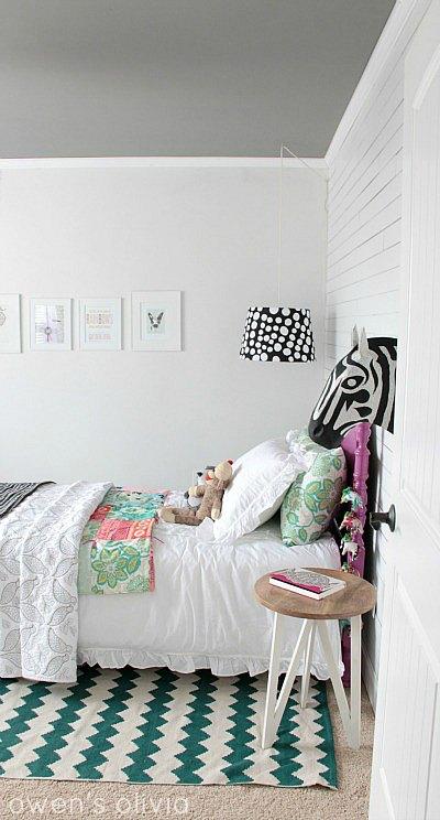 Grey and white girls room - HabitatKid blog